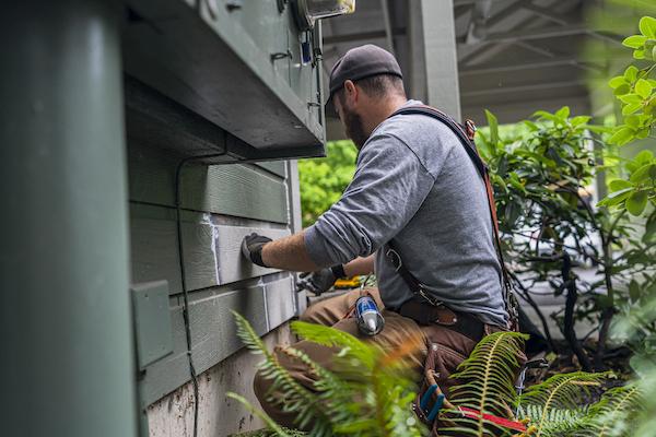 maintenance repair on commercial building